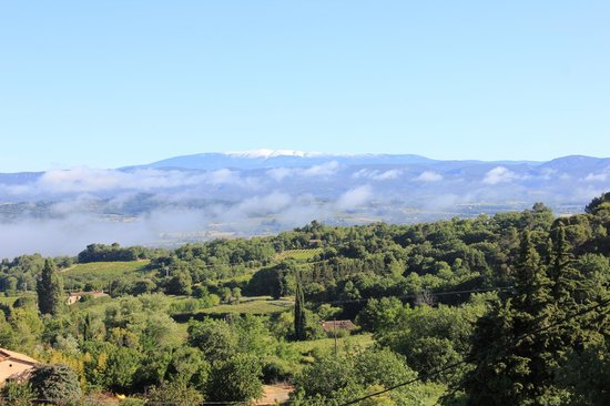 Les Terrasses du Luberon: Morning clouds