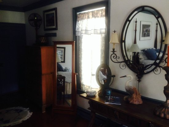 Causey Mansion Bed & Breakfast: Country Room