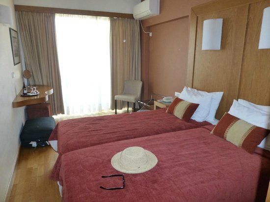 Hermes Hotel: Double Room with small balcony