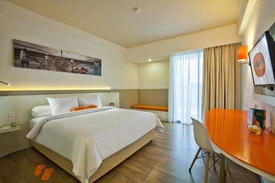 Harris unique room picture of harris hotel seminyak for Unusual accommodation bali