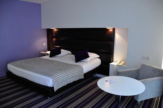 Mercure Nice Promenade des Anglais: Superior room.