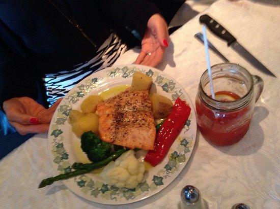 Konstantine's: Salmon