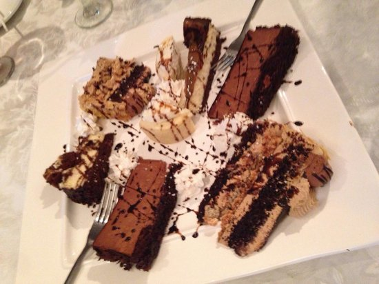 Konstantine's: Dessert platter (group meal)