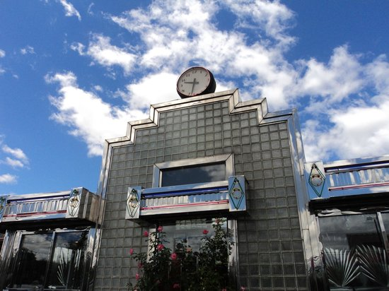 Tick Tock Diner: Front of the diner