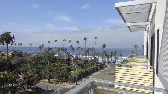 SpringHill Suites San Diego Oceanside/Downtown: Semi Sea View 5th Floor room