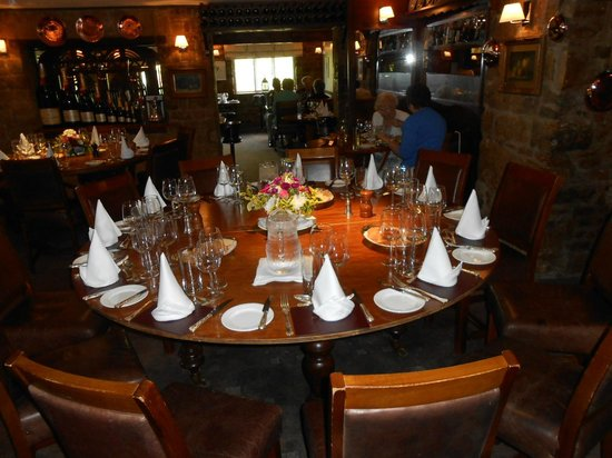 The Butcher's Arms: Lovely large round table