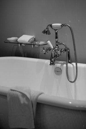 Langdon Hall Country House Hotel & Spa: Ahhh, this tub!