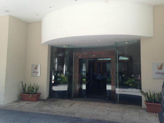 Village Residence West Coast by Far East Hospitality : Lobby
