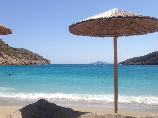 Daios Cove Luxury Resort & Villas : Beach