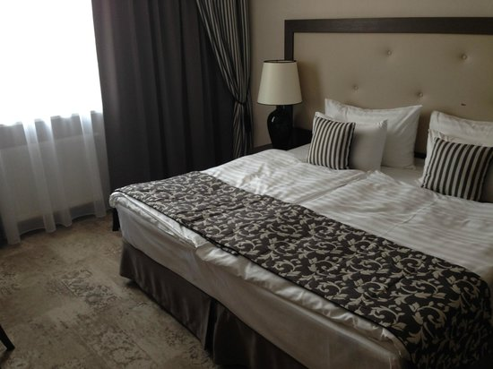 Metropolitan Boutique Hotel: out massive bedroom