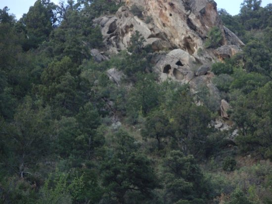 Red Ledge RV Park & Campground : Go on the Kanarra Falls hike and see if you can find the skull rock