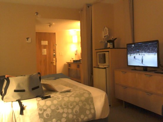 La Quinta Inn & Suites Coral Springs South: watched the Rangers lose game one of the finals...  :-(