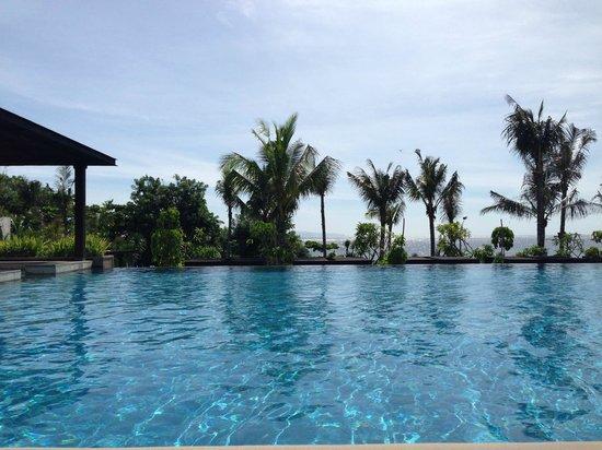 Fairmont Sanur Beach Bali: Poolside