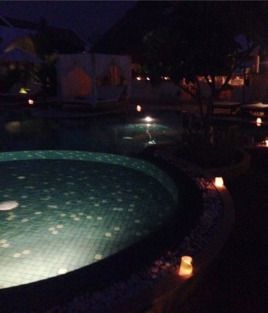 Navutu Dreams Resort & Wellness Retreat : Gorgeous at night!
