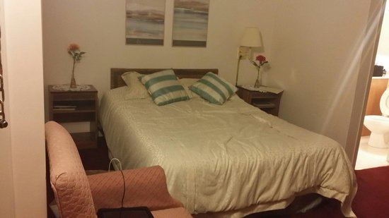 Fitzgeralds Motel : Very comfortable bed and clean sheets
