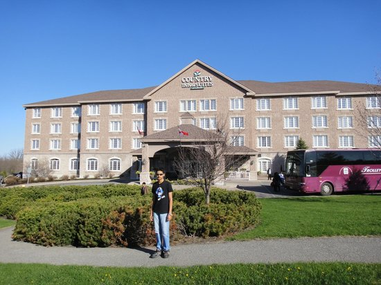 Country Inn & Suites By Carlson, Ottawa West, ON : Front view
