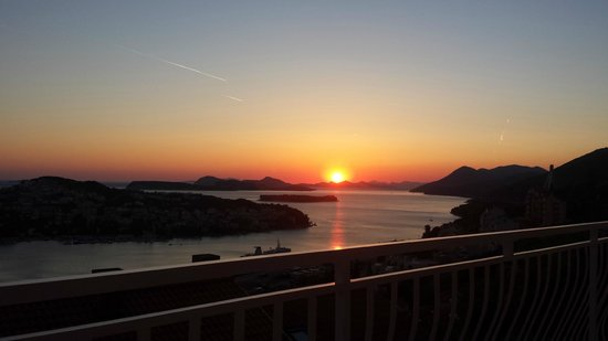 Danica Guesthouse: Beautiful sunset from guesthouse balcony