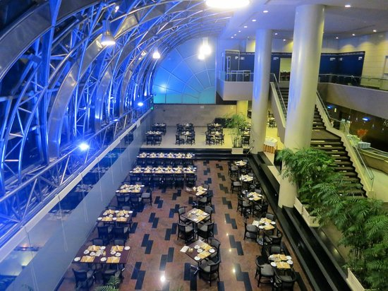 Delfines Hotel & Convention Center : Main restaurant