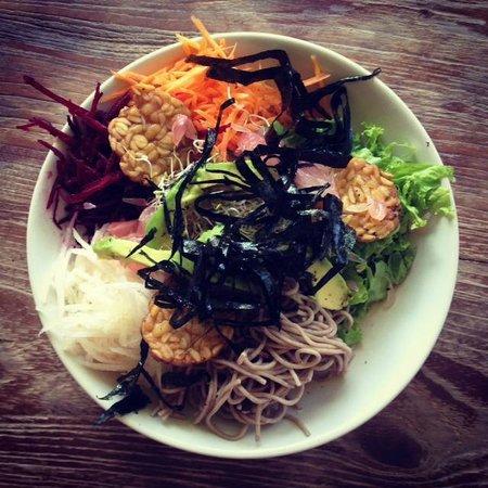 Earth Cafe & Market: dragon bowl