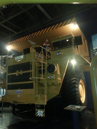 Oil Sands Discovery Centre: Big truck