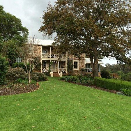 Grand Mercure Basildene Manor: First Impressions