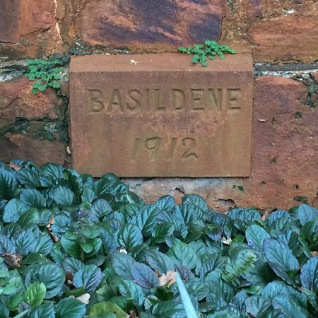 Grand Mercure Basildene Manor : Foundation Stone