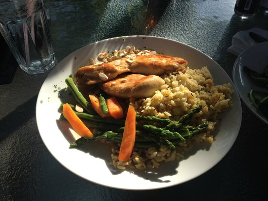 Bob-Lo Island Beach House Restaurant: Chicken Amaretto