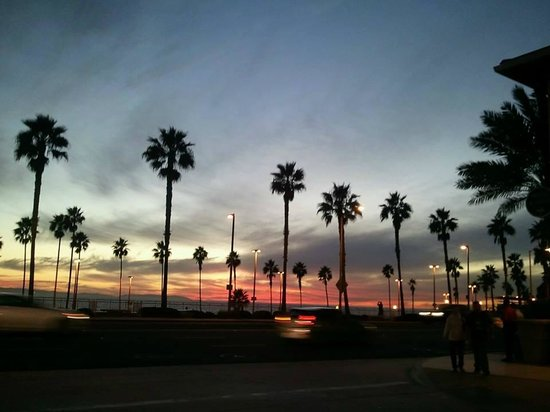 Downtown Huntington Beach: Killer HB Sunset!!!