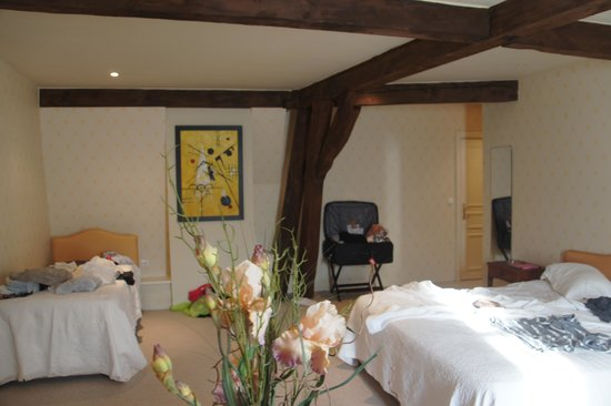 Les Cordeliers Bed and Breakfast: Comfy room at Les Cordliers