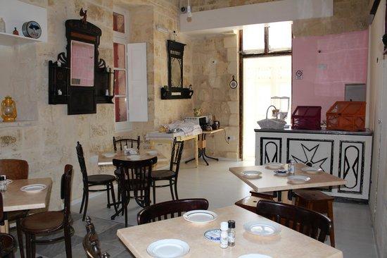 Luciano Al Porto Boutique: ground floor
