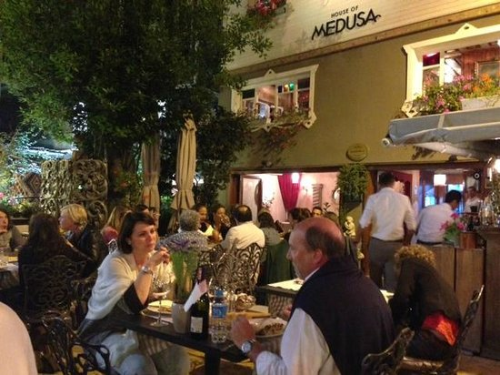 House of Medusa : Enchanting patio