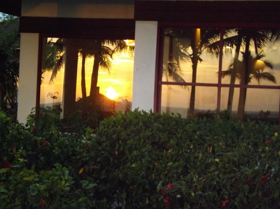 Club Med Turkoise, Turks & Caicos : Sunset Reflection