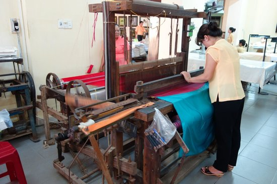 Hoi An Silk Village : machining