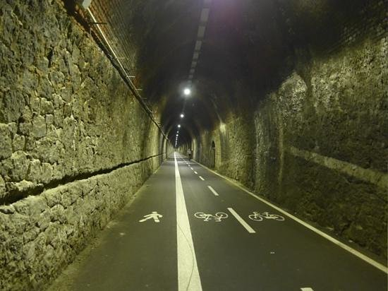 Pista Ciclopedonale Levanto - Framura: one of the tunnles. well lit and marked.