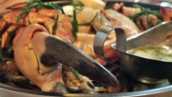 Crab & Boar: their famous seafood platter