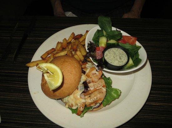 Clam Bucket Restaurant : Paella Chicken Burger