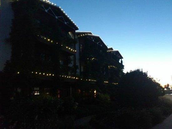 Napa River Inn at the Historic Napa Mill: 部屋のある棟