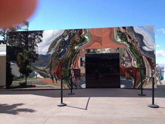 Mona Pavilions: mona entry