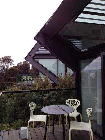 Mona Pavilions: esmond