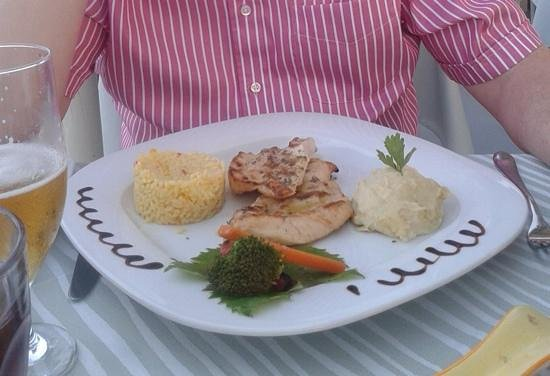 Almira Restaurant: tender chicken fillets ... a well recommened dish.