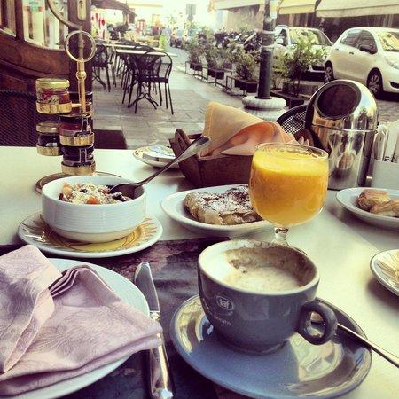 The Bristol Hotel : Fantastic Breakfast :)