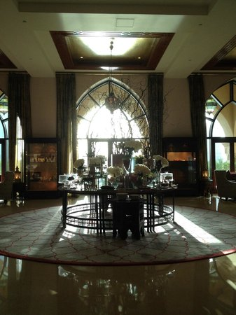 Palace Downtown: Lobby
