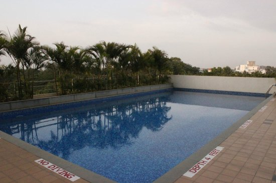 Lemon Tree Hotel, Electronics City, Bengaluru: the pool is in the P floor after the first floor