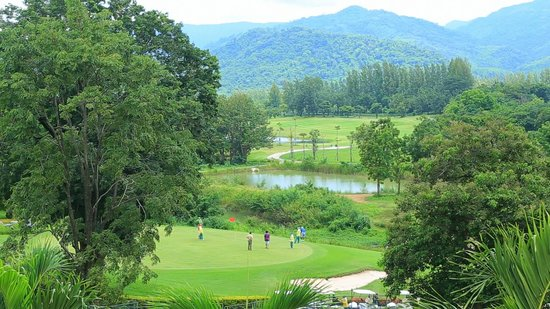 Sir James Resort Hotel & Golf Club: Golf Course