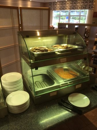 Holiday Inn Express Burton-upon-Trent: This is the only hot foods counter apart from toast.