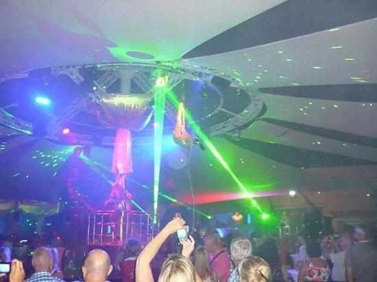 Voyage Torba : discothèque de l hotel