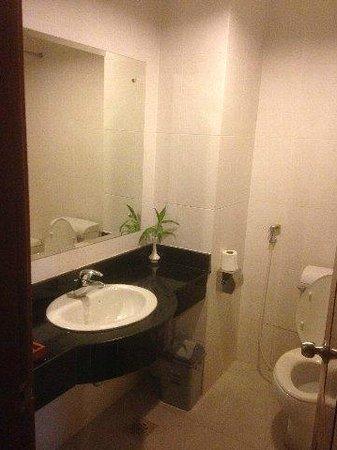 Dara Reang Sey Hotel Siem Reap: バスルーム
