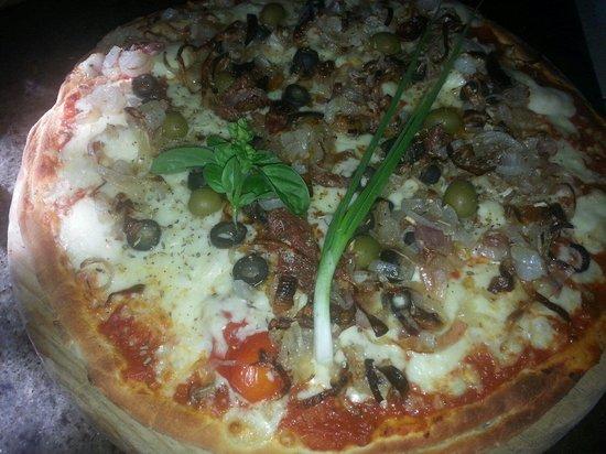 pizza pisalardiere picture of le jardin de giancarlo
