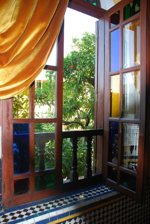 Riad Maison Bleue: view from room to courtyard
