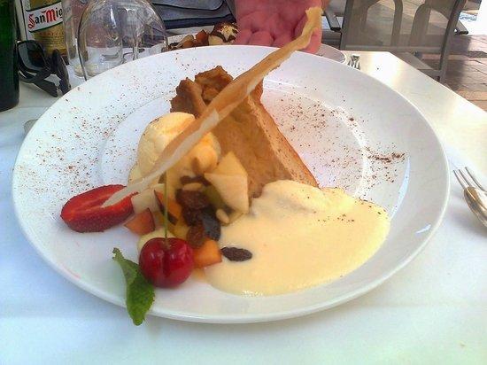 Restaurante Navarro: Fancy apple pie, delicious